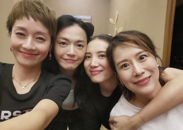 海清姚晨梁靜發表女性感言 道出中年女演員的困境