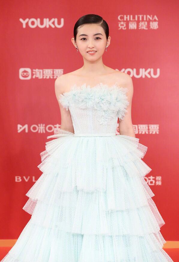 张子枫红毯发型其实还是很帅气的