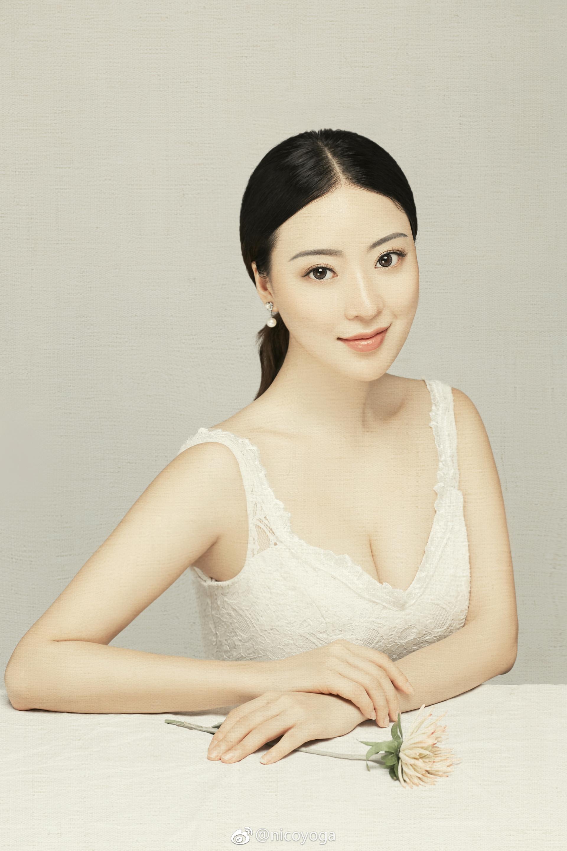极品长发嫩模黑蕾丝情趣内衣@nico蒋娉婷 微博热搜 图50