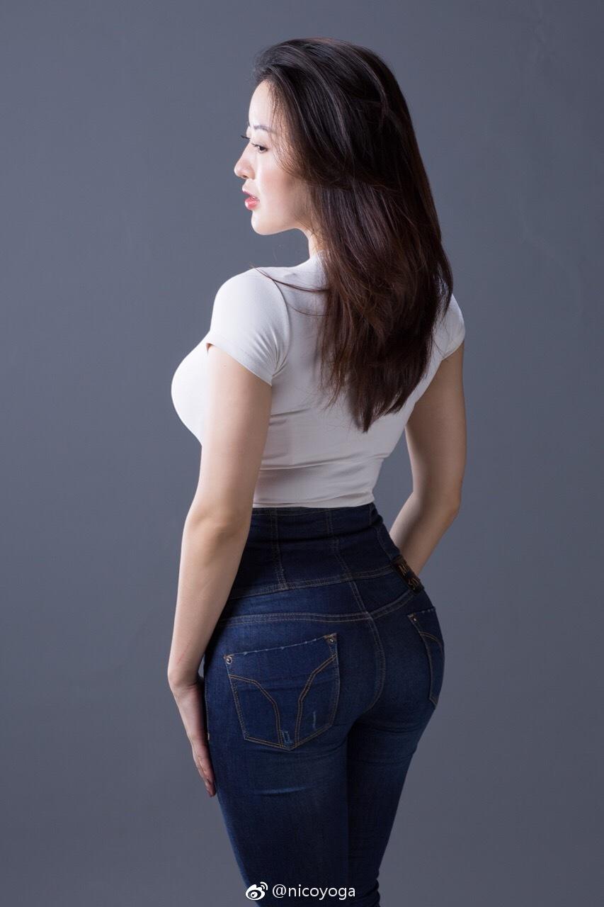 极品长发嫩模黑蕾丝情趣内衣@nico蒋娉婷 微博热搜 图60