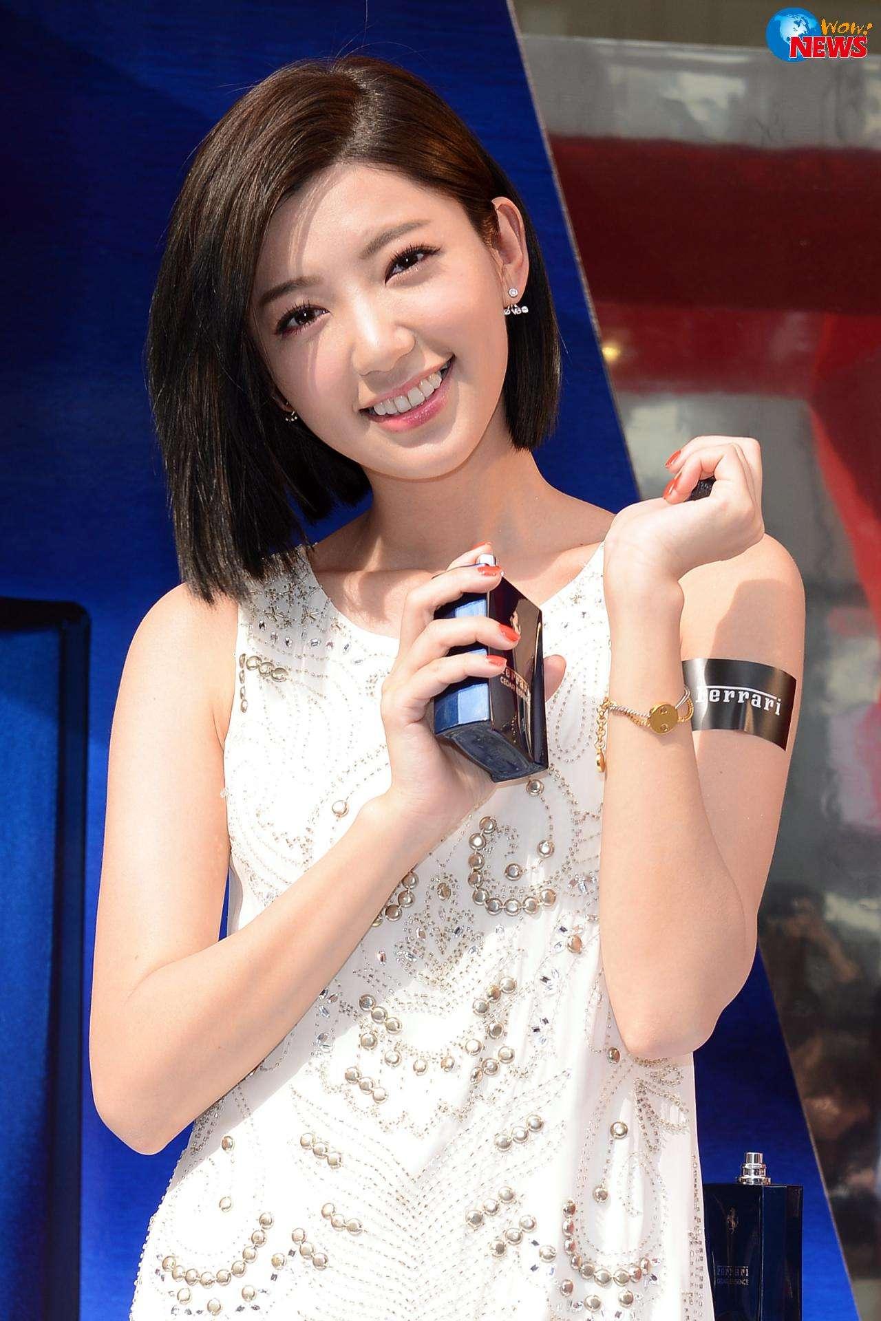 怎么梳刘海好看?在男生眼中女生梳什么样的刘海最美 时尚潮流 第8张