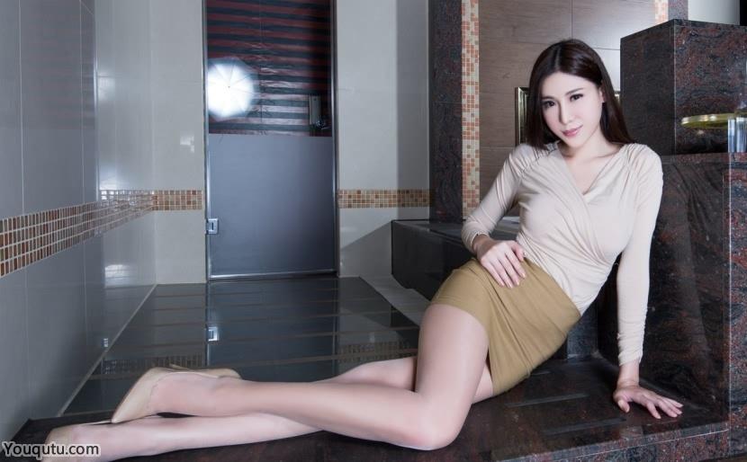 足jiao白净丝袜美女Xin气质写真图片
