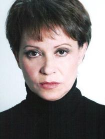 艾德里安娜·巴拉扎