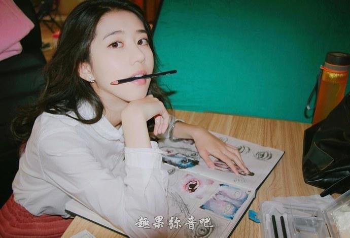 李凯馨照片