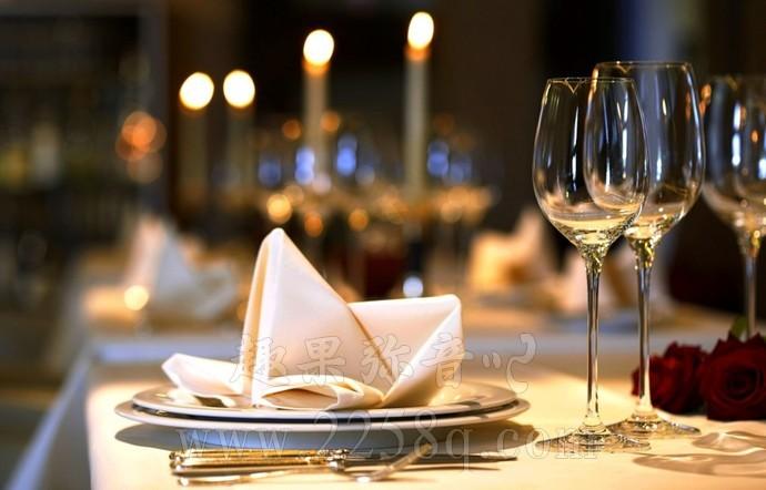 13条用餐礼仪,即便不去高档餐厅也应该知道-爱趣猫