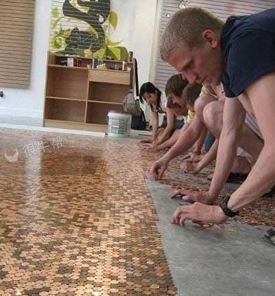 硬币当地板铺,有的只不是创意,还有钱啊!
