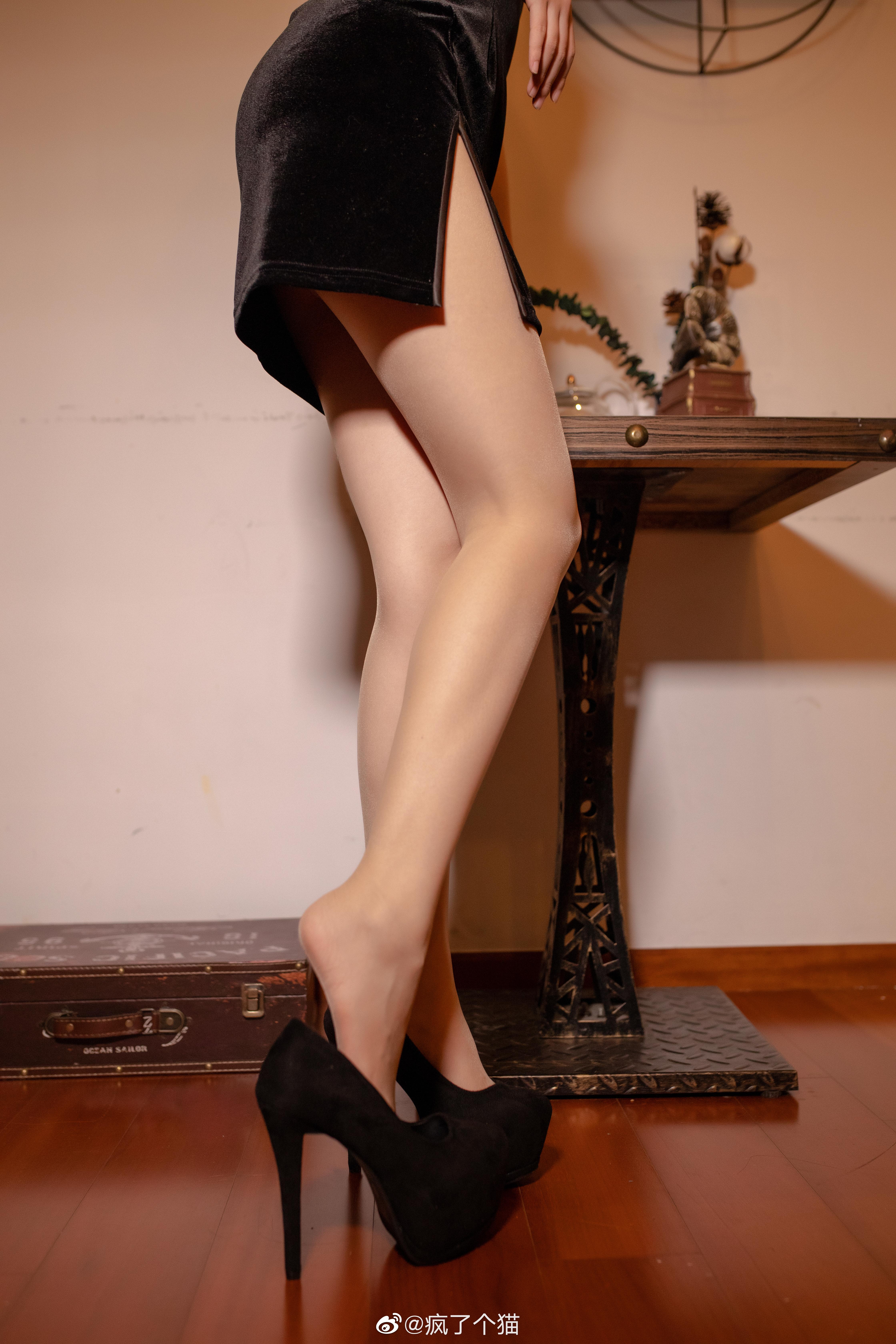 这个肉丝+旗袍太可了 美女写真-第8张