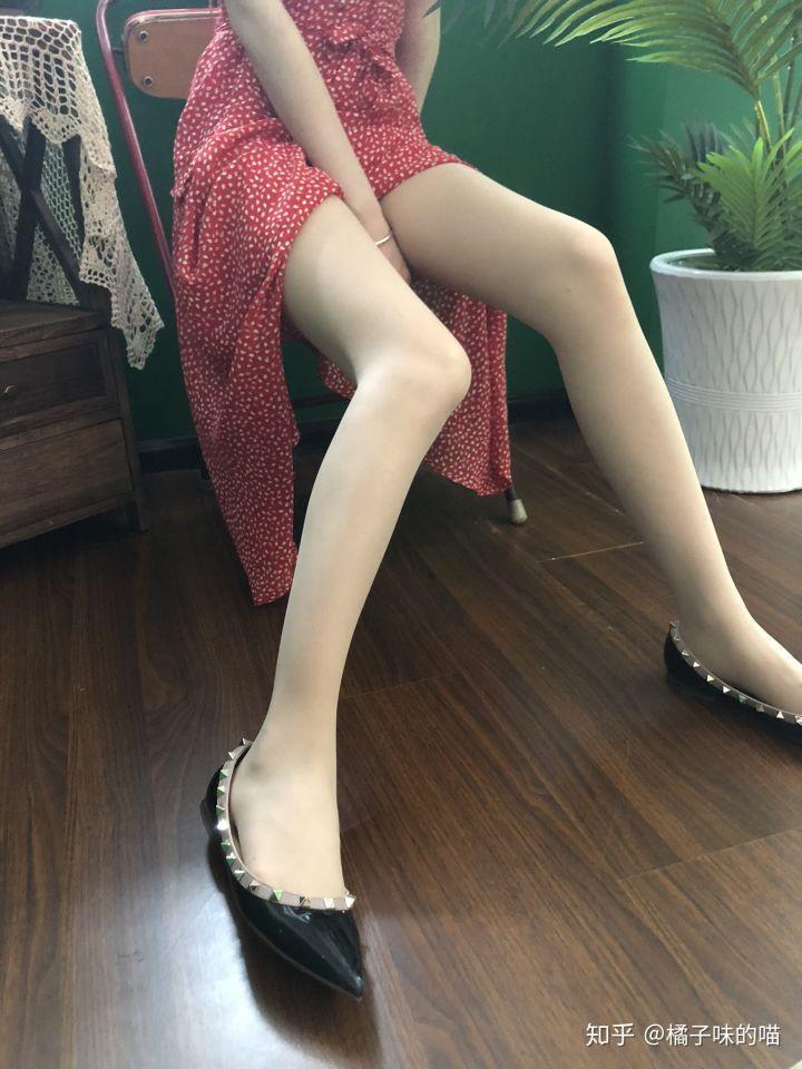 知乎问题精选:夏天穿哪种丝袜会比较合适?