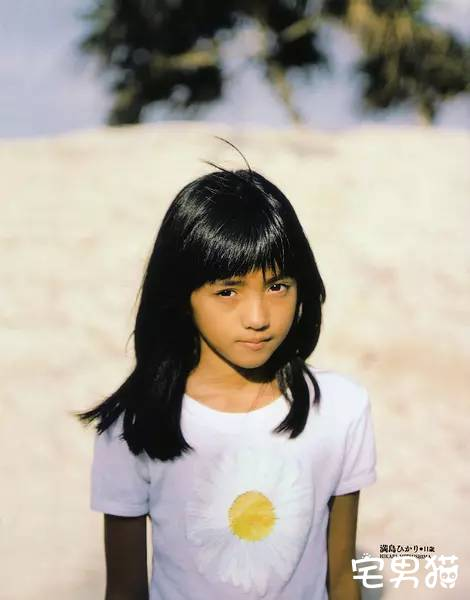 她曾经是日本最红的偶像,即将成为最有潜力的演员满岛光