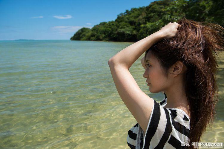濱崎步 日本美女游蕩在青山綠水間