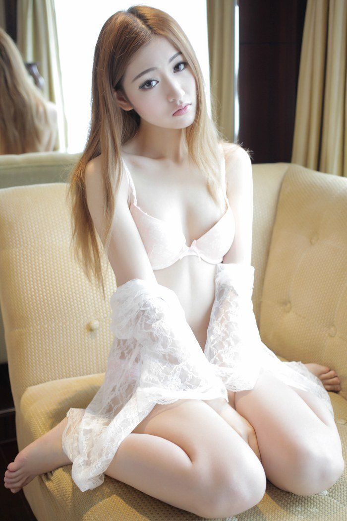 绝色佳丽沈梦瑶制服诱惑靓丽迷人