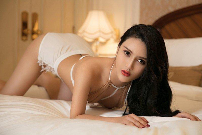 长发美熟女林熙儿肌肤白嫩神态撩人