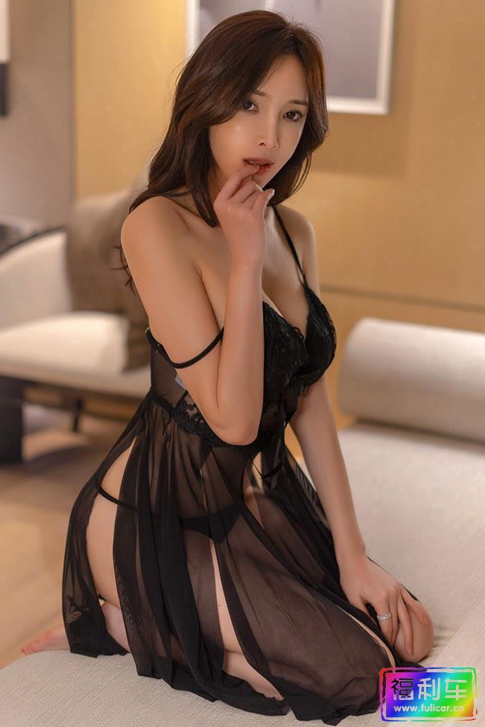 欲望少妇周妍希情趣衣裙诱惑满满