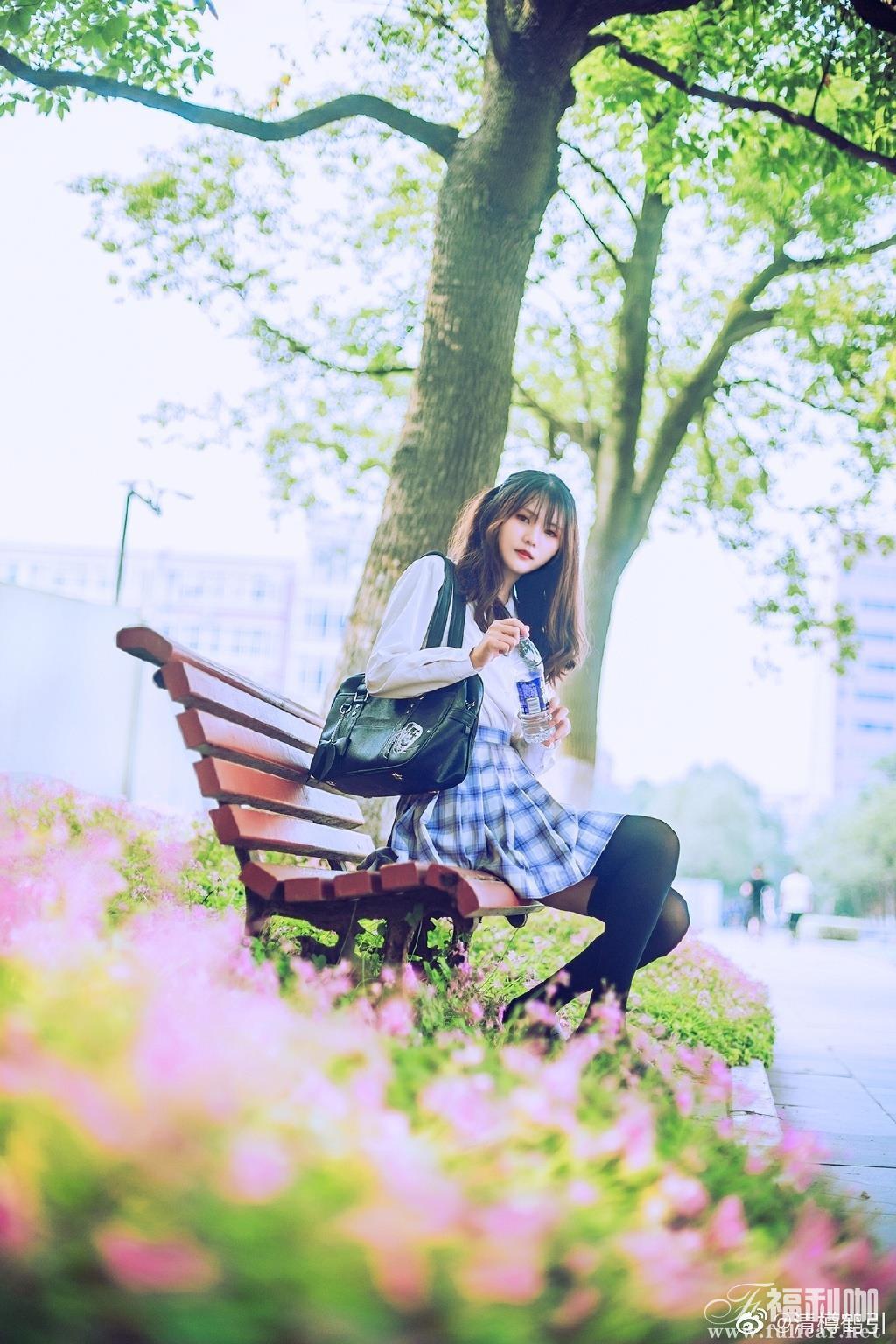 【妹子图】今日妹子–@清樽鹤引