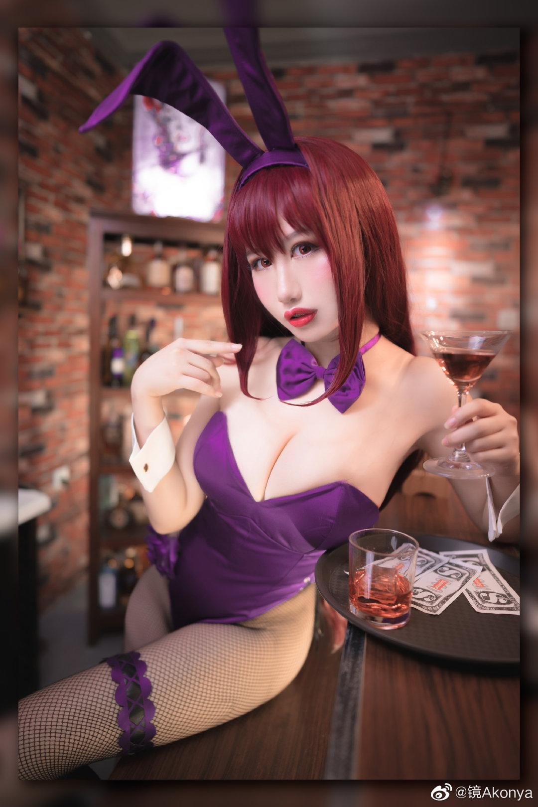 "KIRIYAMA_AKO   ""来喝一杯吗"" 兔女郎夜店cosplay_美女福利图片"