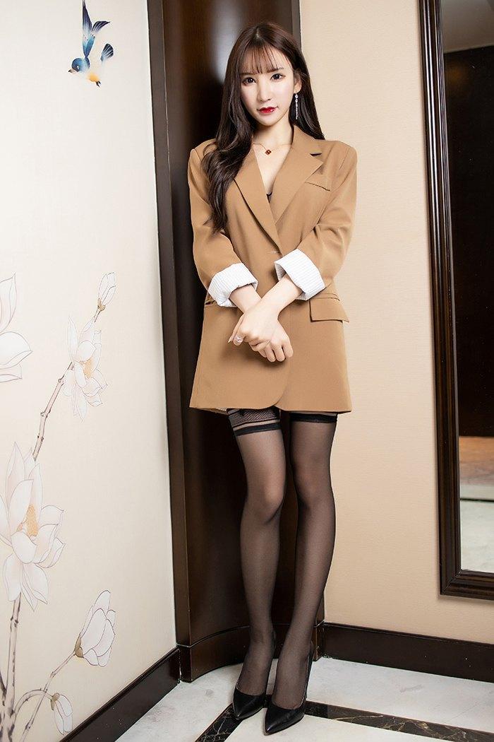 极品秘书周于希寂寞难耐渴求爱抚