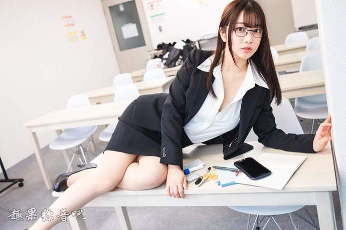 日本《OL之日》:各种充满魅力的办公室女郎,小手还不点进来?-爱趣猫