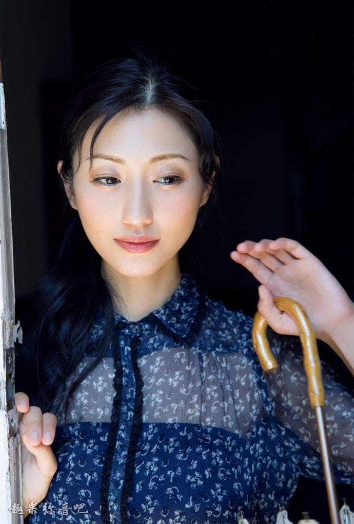 日本传奇女演员斋藤支静加(坛蜜)婚后生活不尽如人意