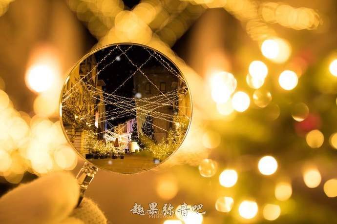 超美夜景拍摄技巧:想拍出与众不同的圣诞街景,你可能只少一个放大镜-爱趣猫