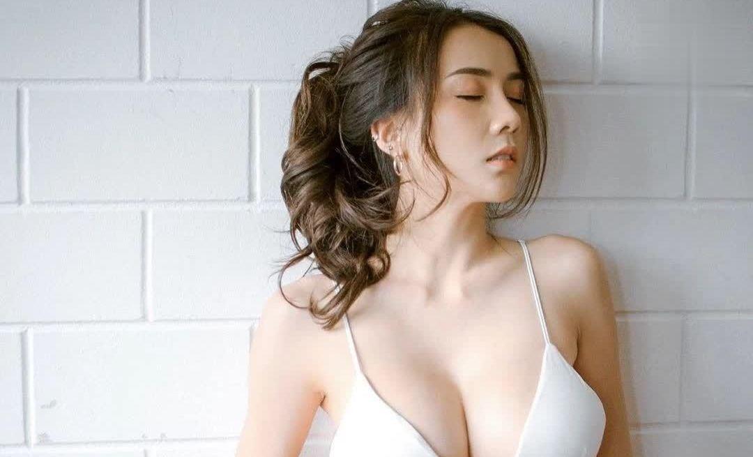 泰国Soraya Upaiprom豪乳坚强对抗地心引力,好想上去用手托住