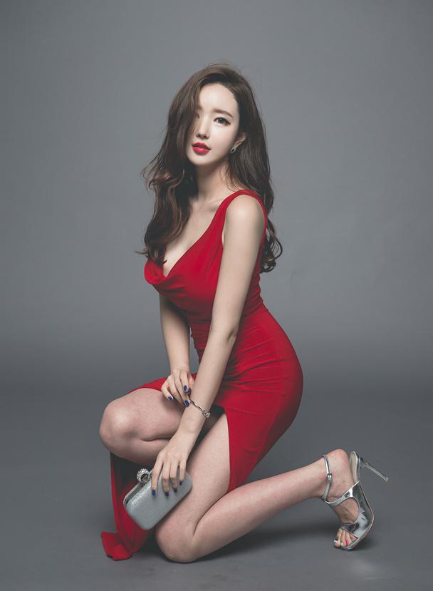 分享一组韩国美女写真,单纯觉得后期调色很舒服~ 美女写真-第6张