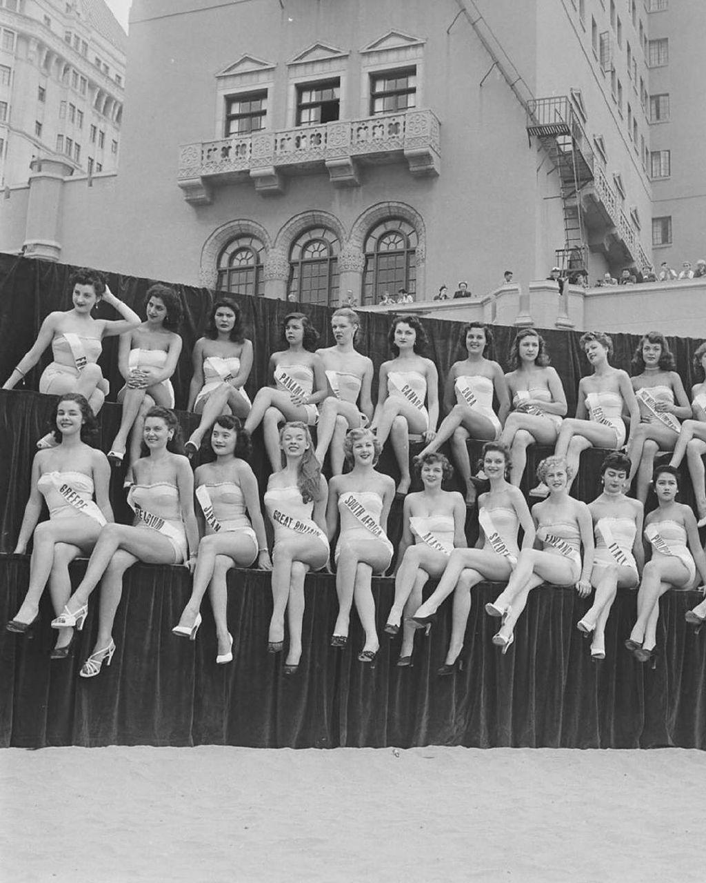 来自1952年的模特照片,搁现在绝对是美女!
