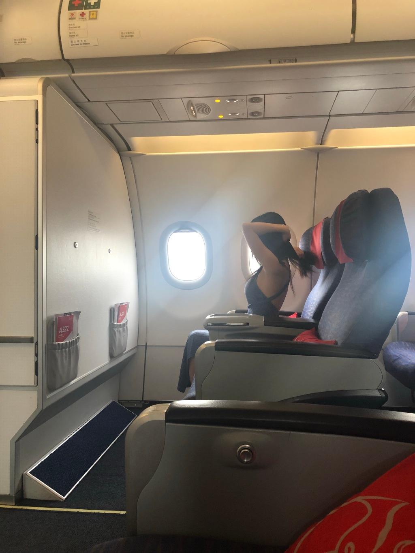 坐飞机头等舱有什么好?头等舱的隐形福利竟然是这个! liuliushe.net六六社 第3张