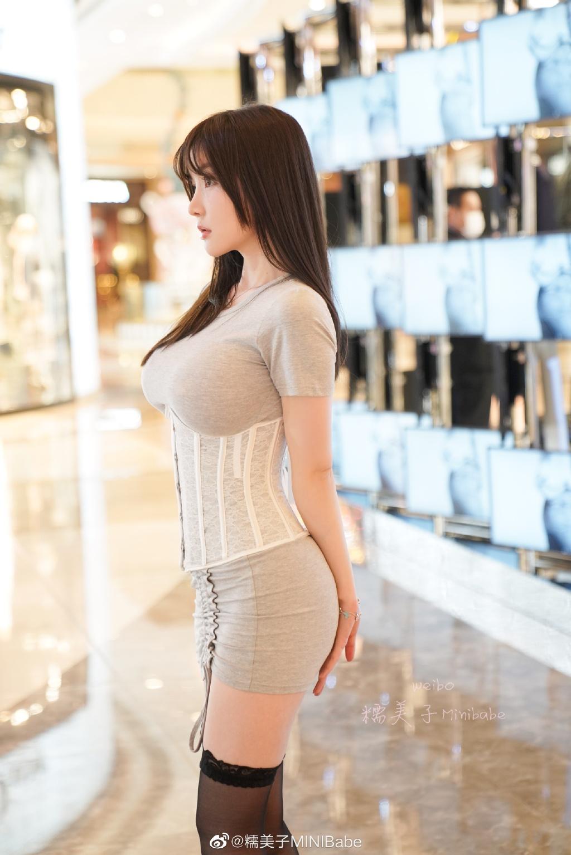 """这样的""""塑身衣外穿""""能出门吗?半身塑身衣要怎么穿?四海吧 sihaiba.com"""