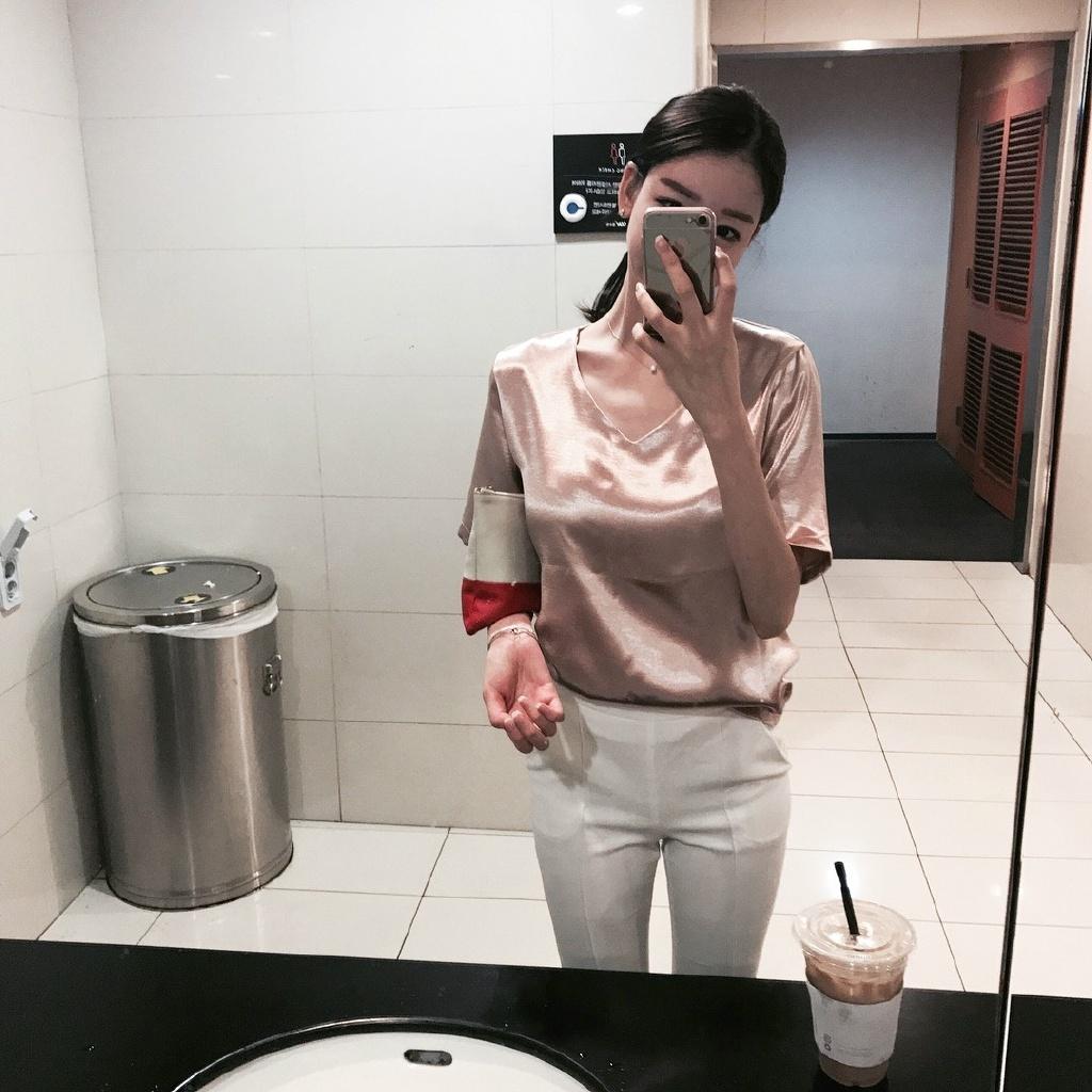 为什么都喜欢在厕所拍照?