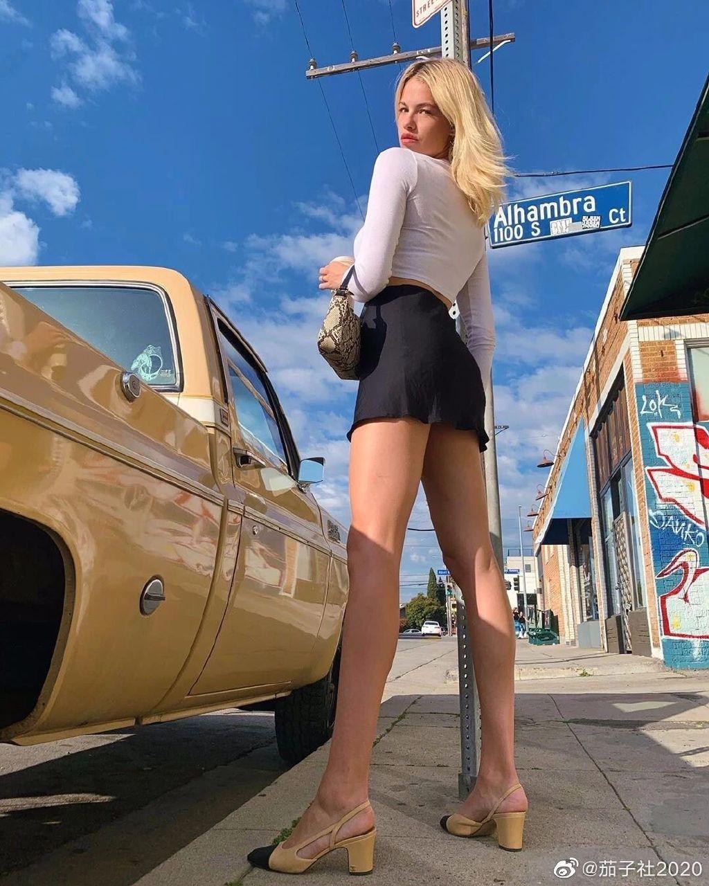 加州美女Hailey Clauson:腿是真的又长又细又好看