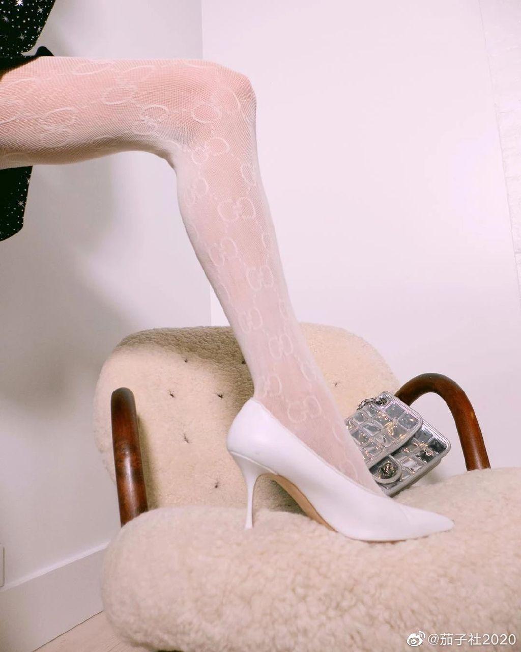 维密天使Elsa Hosk:无处安放的细腰长腿