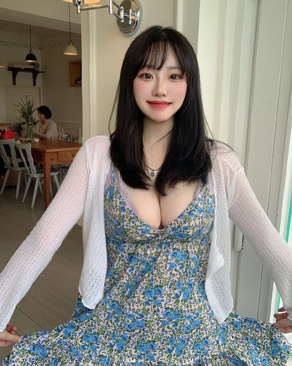 亚洲自偷自拍另类粉嫩美女高清图