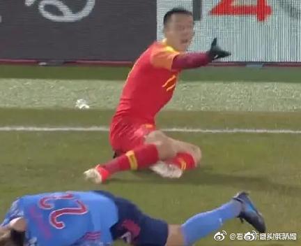 《姜至鹏回应飞踹日本球员:是他用头来撞我的脚》没画面我就真特么被你说服了! 涨姿势 第2张