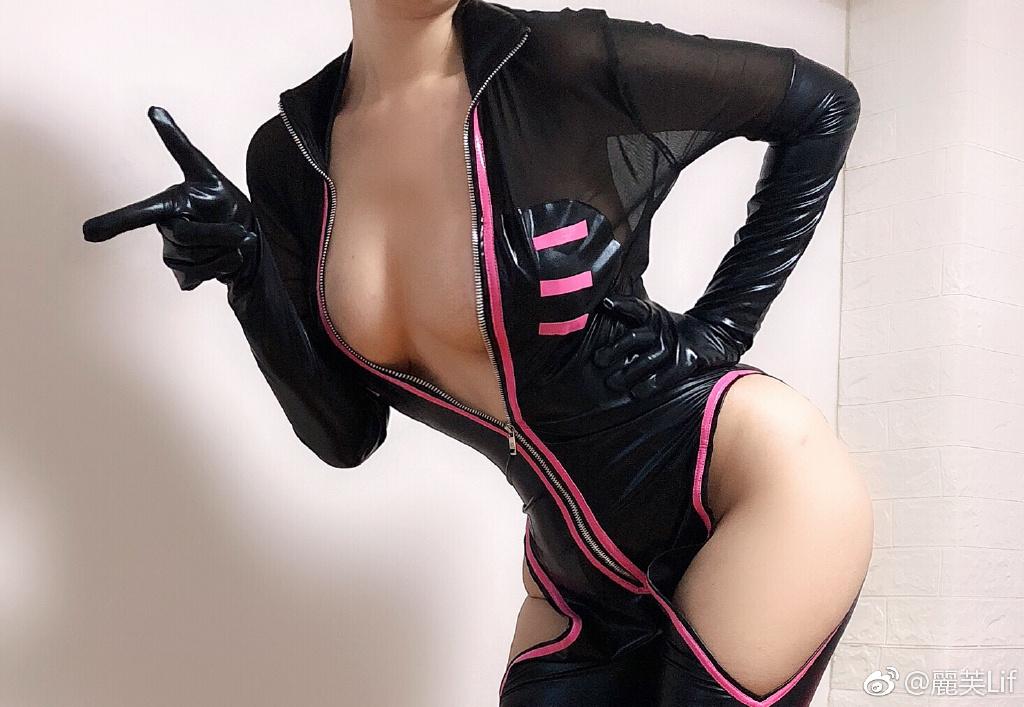 今日妹子推荐@麗芙Lif 很有意思的黑丝连体衣