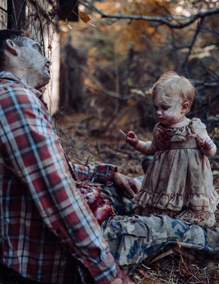 国外一网友为她老公和女儿拍摄的丧尸万圣节主题照 涨姿势 第3张