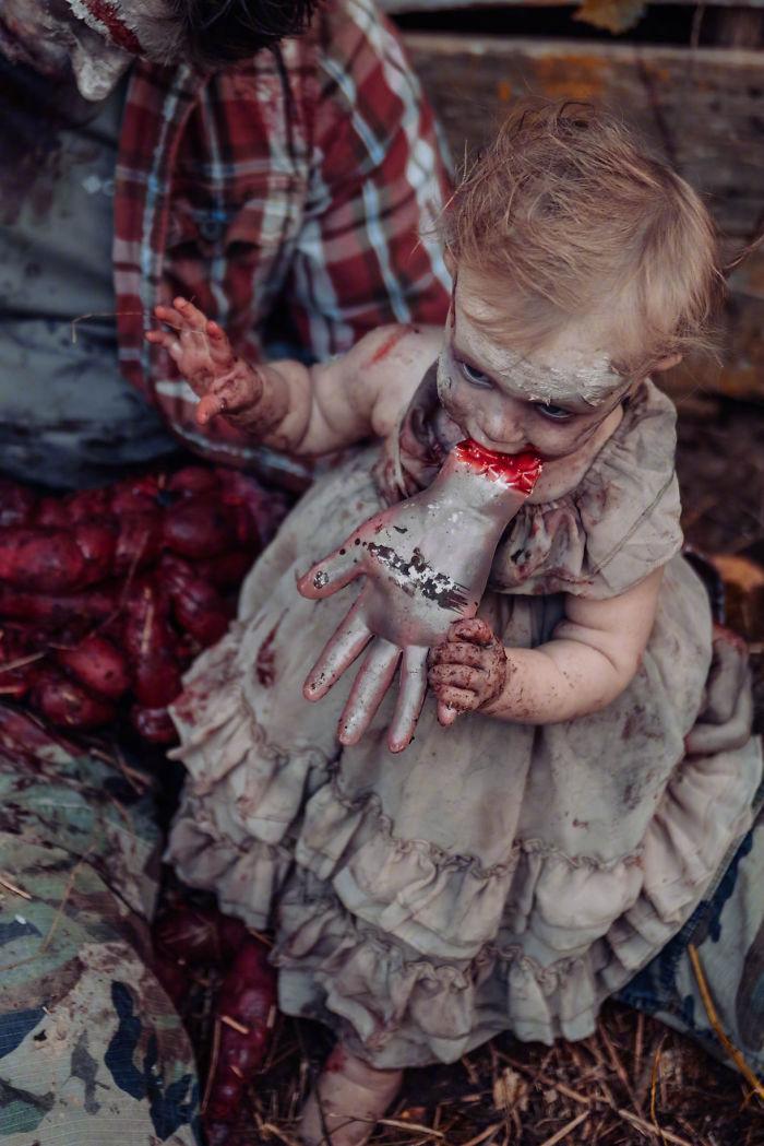 国外一网友为她老公和女儿拍摄的丧尸万圣节主题照 涨姿势 第5张