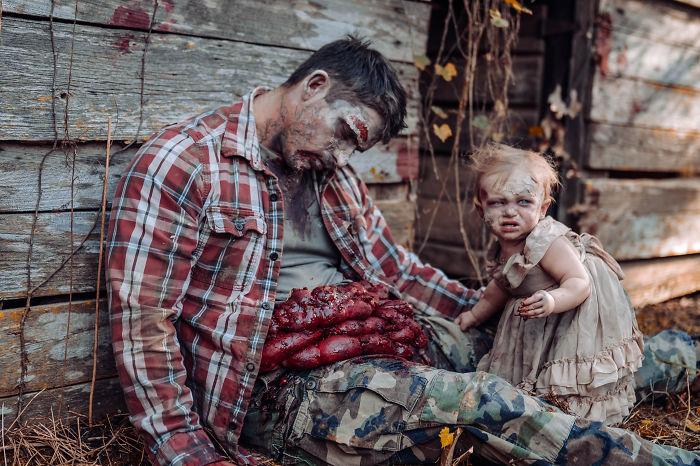 国外一网友为她老公和女儿拍摄的丧尸万圣节主题照 涨姿势 第7张