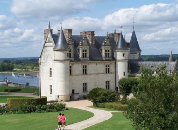 欧洲十大最美城堡排行榜:德国新天鹅城堡为迪士尼原型
