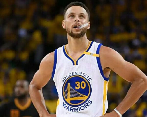 十大篮球巨星排行榜:科比是永远的神话