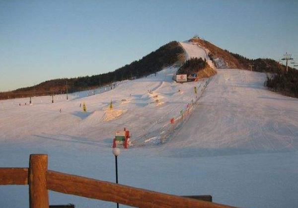 全球十大滑雪胜地排行榜 最值得去的十大滑雪场排名