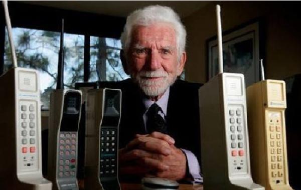 世界上最早的手机:摩托罗拉大哥大在1982年诞生