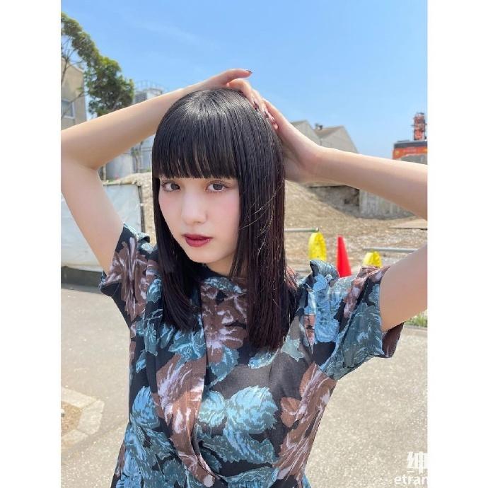靠《假面骑士》爆红20 岁鹤嶋乃爱空灵长相身材积累高人气 网络美女 第2张