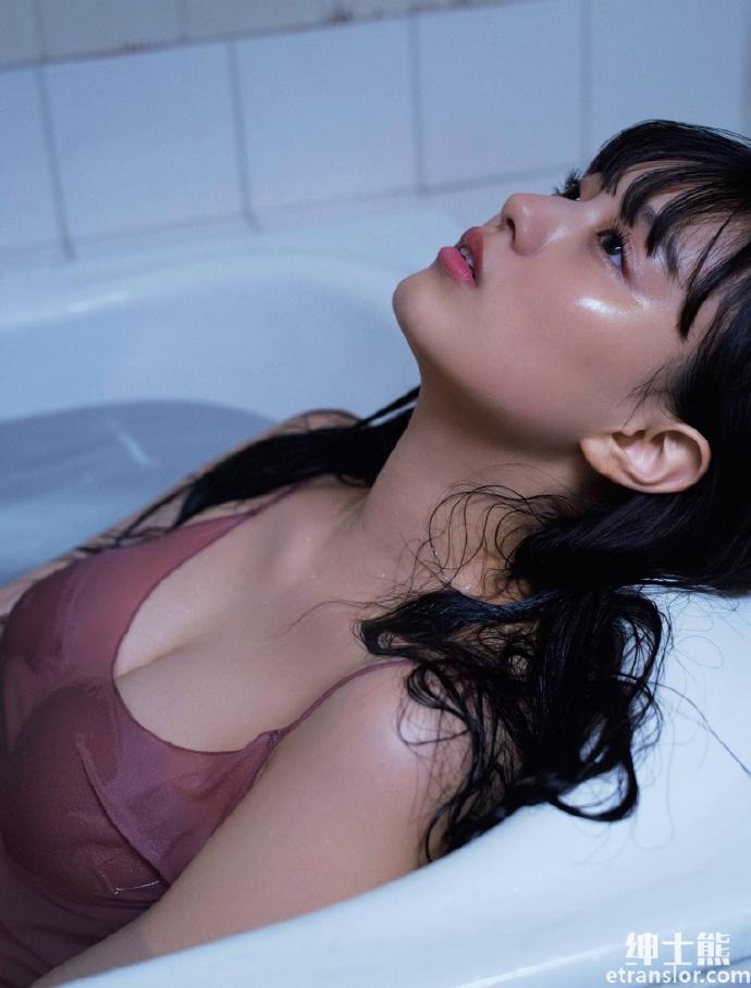 靠《假面骑士》爆红20 岁鹤嶋乃爱空灵长相身材积累高人气 网络美女 第14张