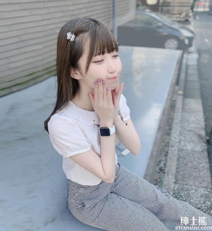 樱花妹女大生藤宫もな教室侧拍太可爱,白嫩脸蛋让人恋爱 养眼图片 第2张