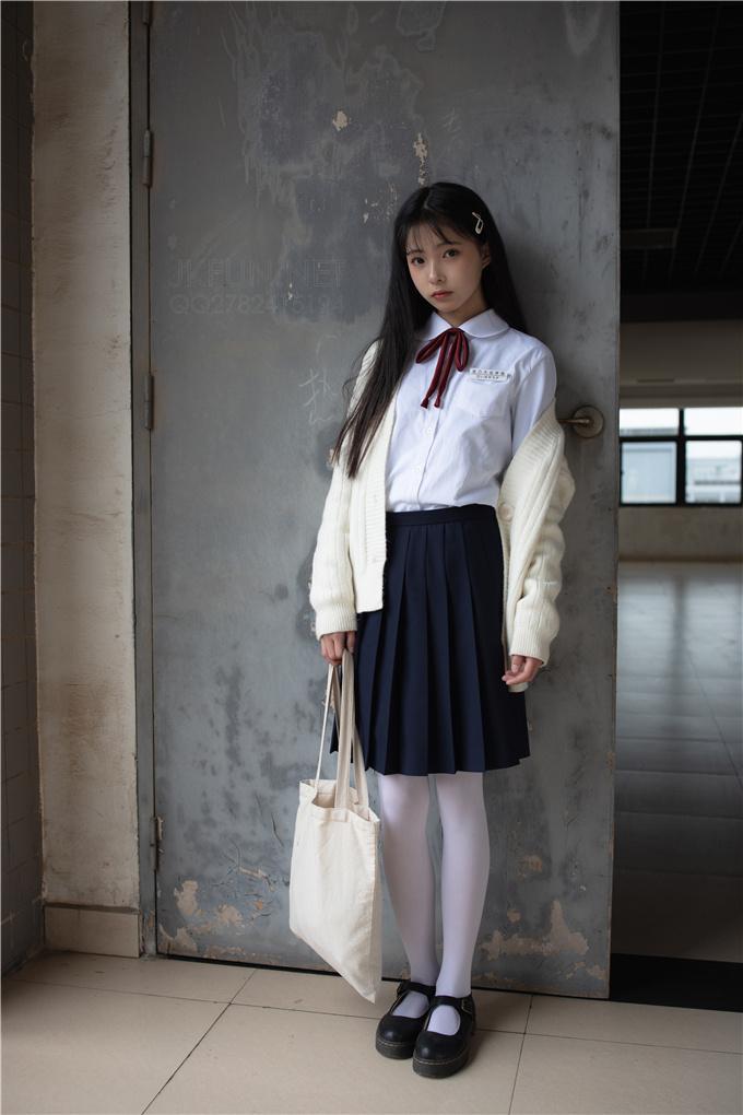 【森罗财团】JKFUN-001清纯高中女生 森罗财团