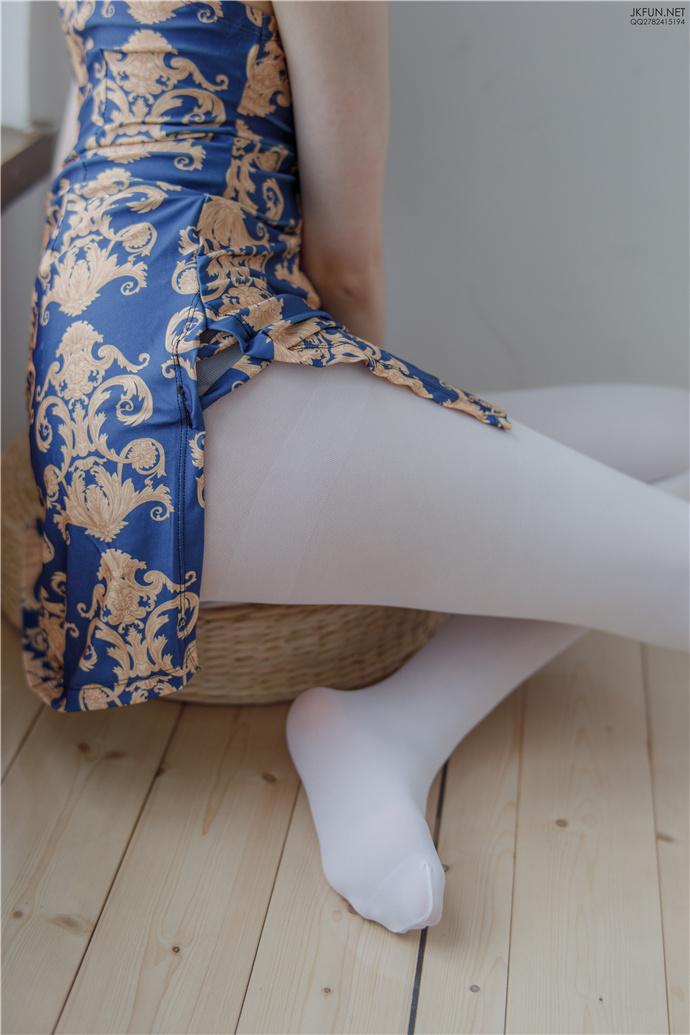 【森罗财团】JKFUN-008.白丝旗袍福利小姐姐写真 森罗财团