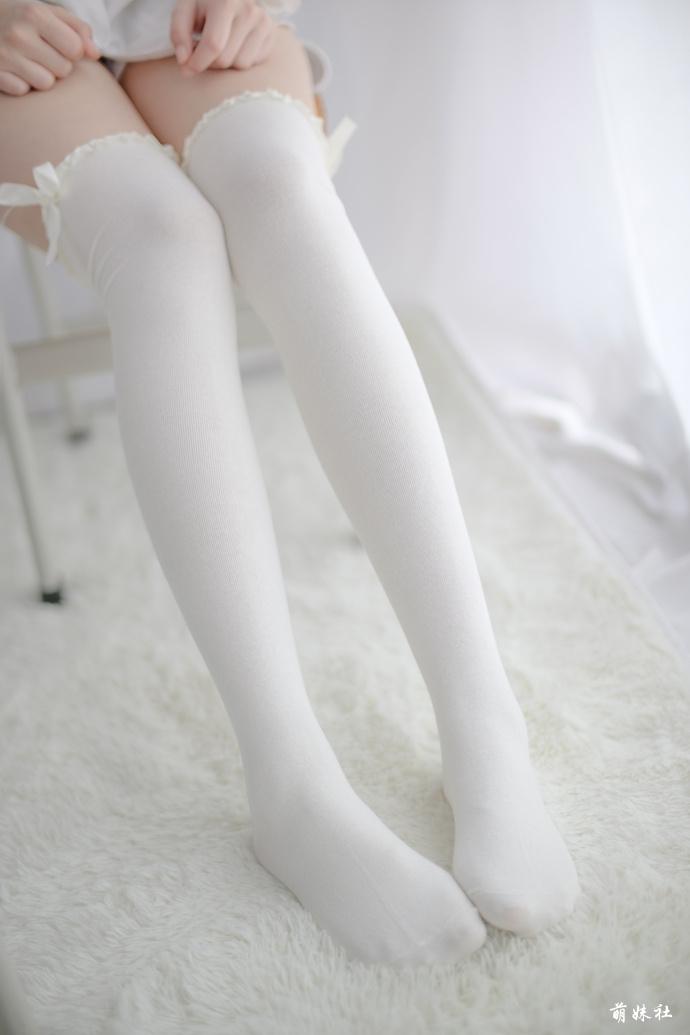 jianzhide.com_洁白如玉最美白丝小姐姐写真