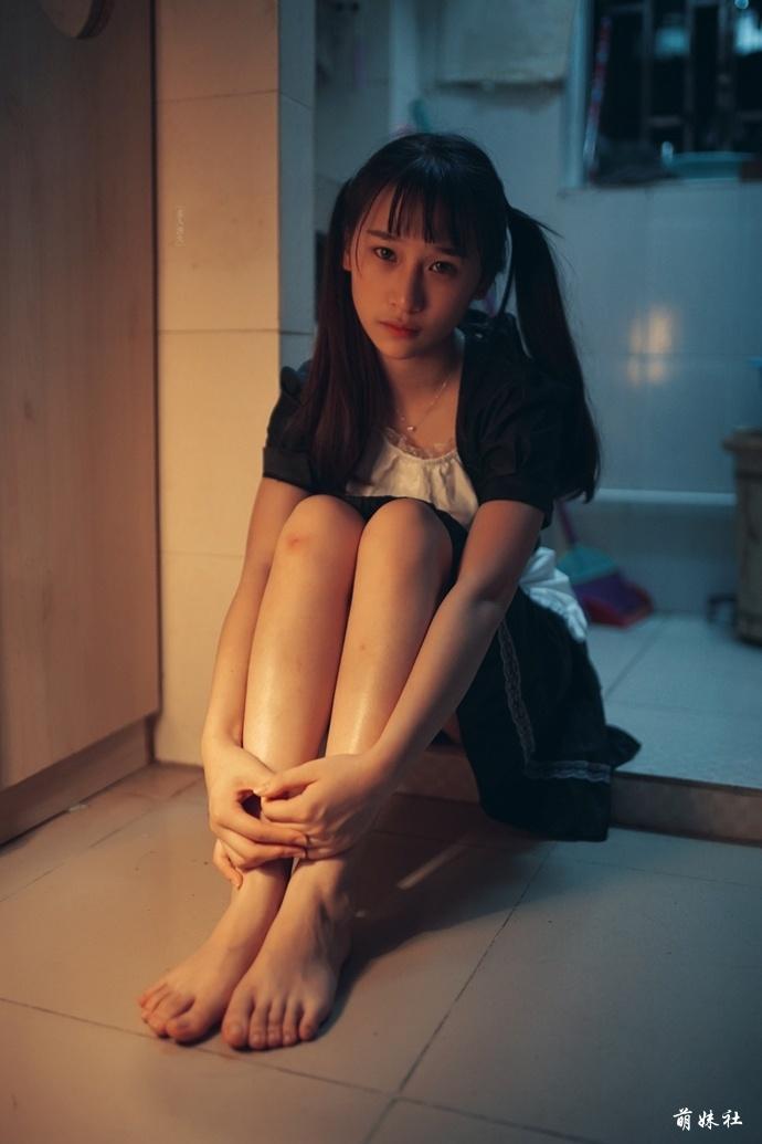 jianzhide.com_萌妹社_女仆加校服的妹子真可爱