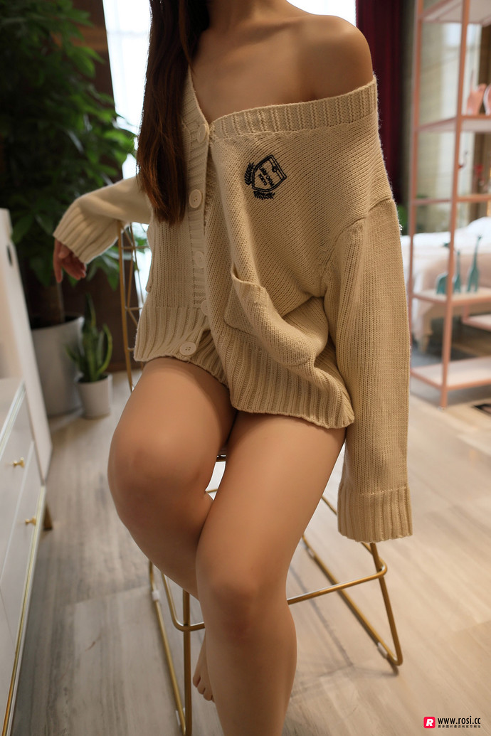 rosi系列:探索毛衣里面的世界