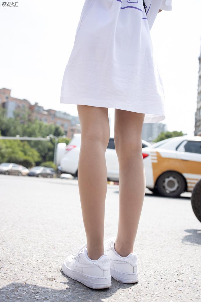 肉丝萝莉的纯白色之美 清纯丝袜